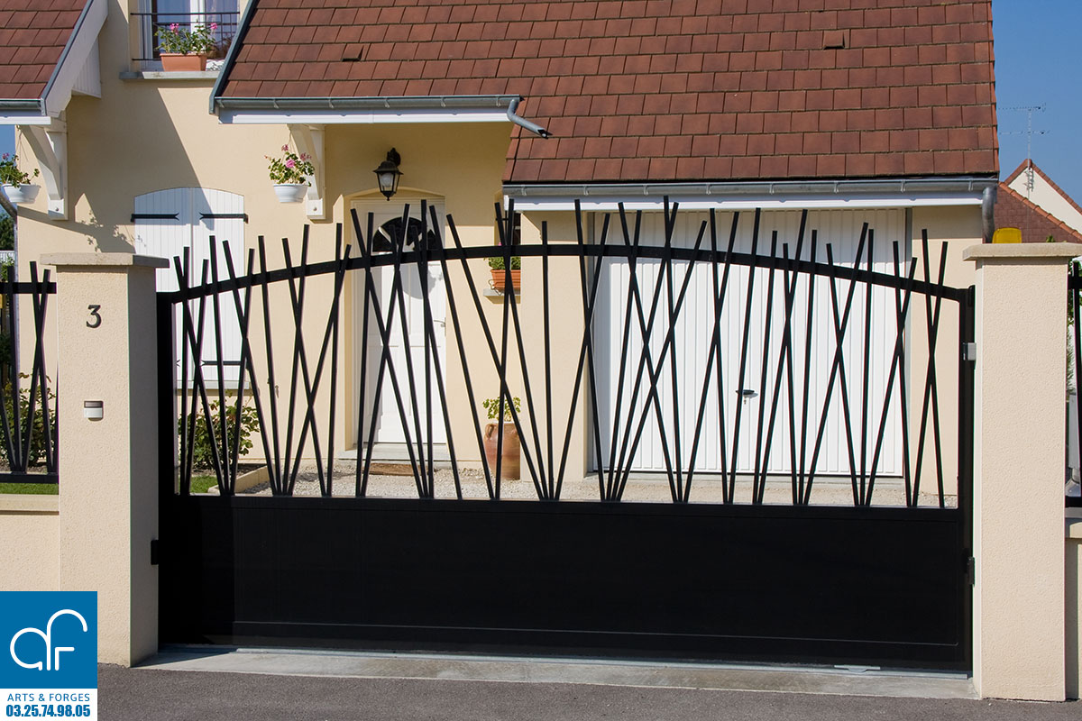 portails arts et forges. Black Bedroom Furniture Sets. Home Design Ideas